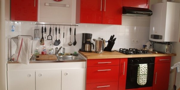 r am nager une petite cuisine suivez nos conseils. Black Bedroom Furniture Sets. Home Design Ideas