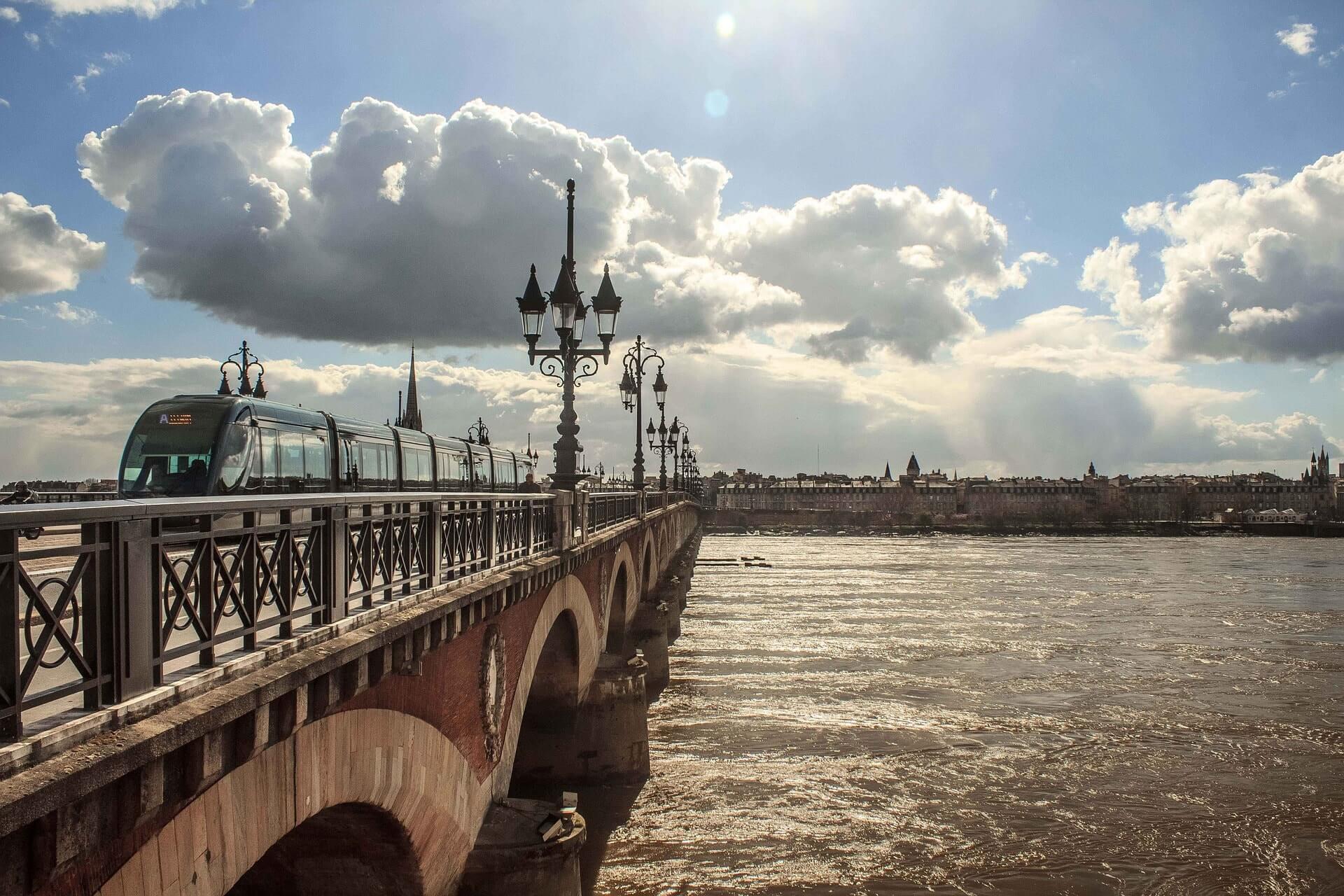 dépôts vente et associations à Bordeaux