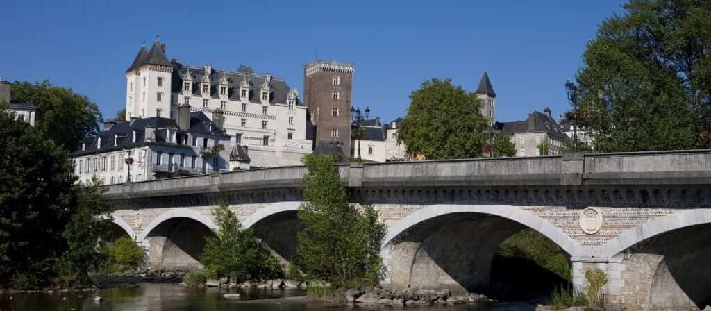 Associations et dépôts vente à Pau