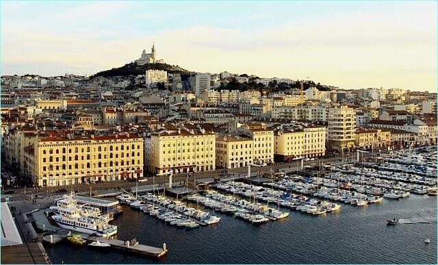 Association Et Depots Vente A Marseille Conseils Pour Trier Vos Placards